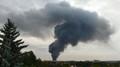 Rozsáhlý požár v Uhříněvsi: Na místo vyrazilo nejméně 16 jednotek hasičů