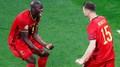 Fotbalista Lukaku slaví gól s Meunierem
