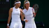 Tenistky Lucie Hradecká a Marie Bouzková