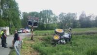 Srážka traktoru s vlakem