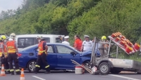 Tragická nehoda na Plzeňsku: Při srážce se silničáři zemřel člověk