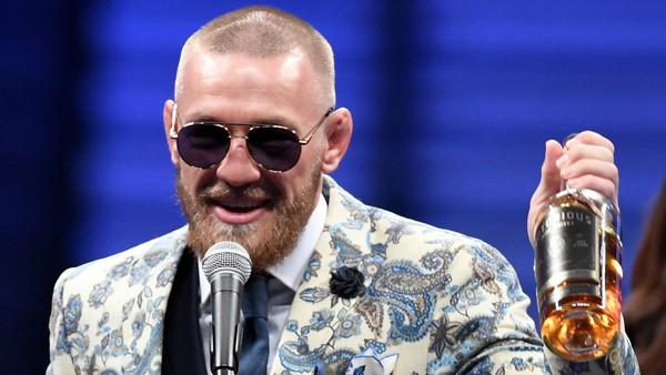 Conor McGregor se svojí vlastní whiskey