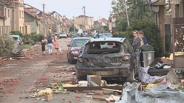 ON-LINE: Tornádo zabíjelo a ničilo majetek. Lidé posílají desítky milionů