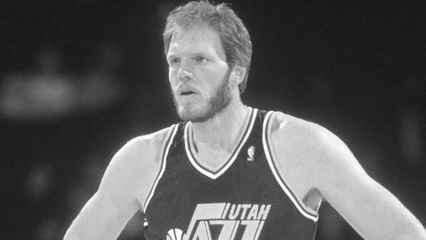 Zemřela bývalá hvězda NBA a Utahu Mark Eaton