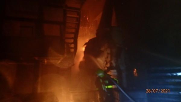 GALERIE: Požár výrobní haly v Břidličné