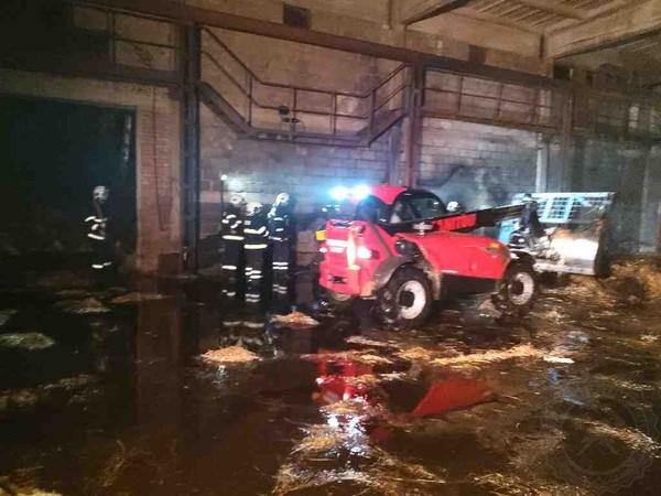 GALERIE: Požár seníku se škodou pět milionů na Orlickoústecku