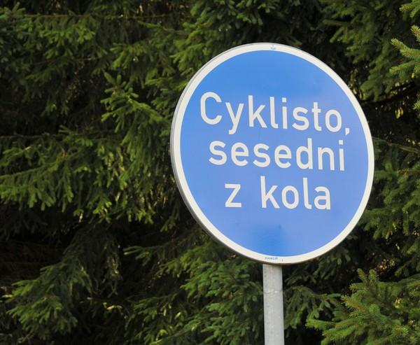 Cyklisto, sesedni z kola